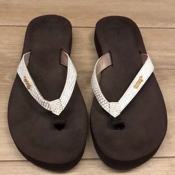 1b638dff3c3c New Reef Star Cushion Sassy Sandals Flip Flops 7. M 5c3d3acc1b329487247458a7